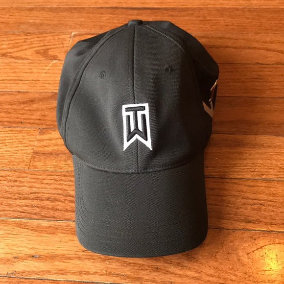 Men s Nike Golf Tiger Woods Collection VR One Hat.  M 5b75d85e1070ee0e0c462b9b 868366c24c8a